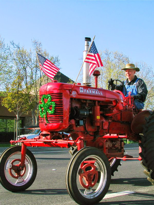 Dublin St Patrick's Day Parade 2014 // Big Red Tractor