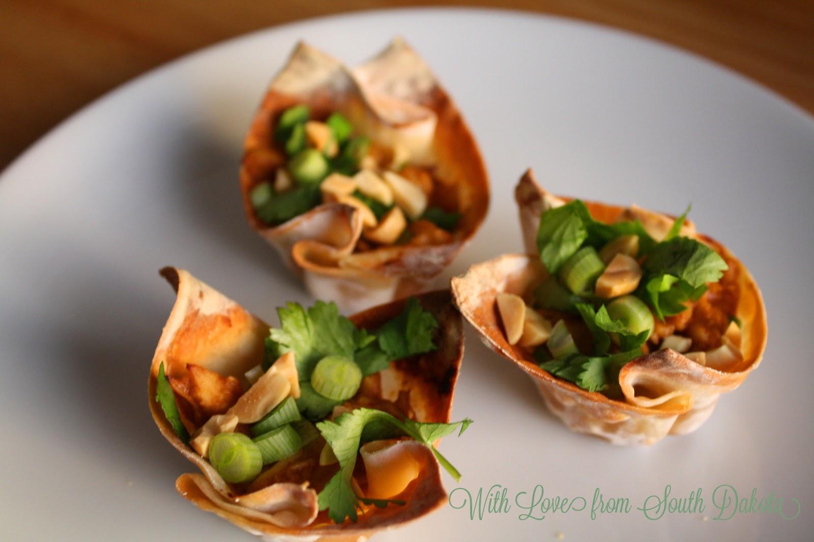 Spicy Peanut Chicken Cups + Crunchy Lettuce Toss