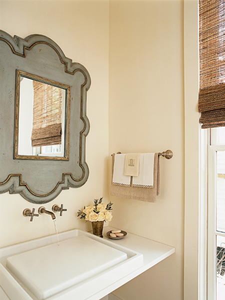 bathroom-cottagestyle-powderroom-interiors