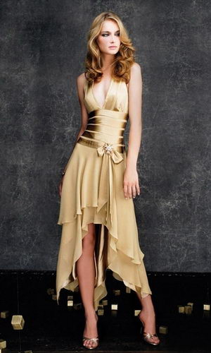 Halter-V-Neckline-Golden-Hi-low-Prom-Dresses