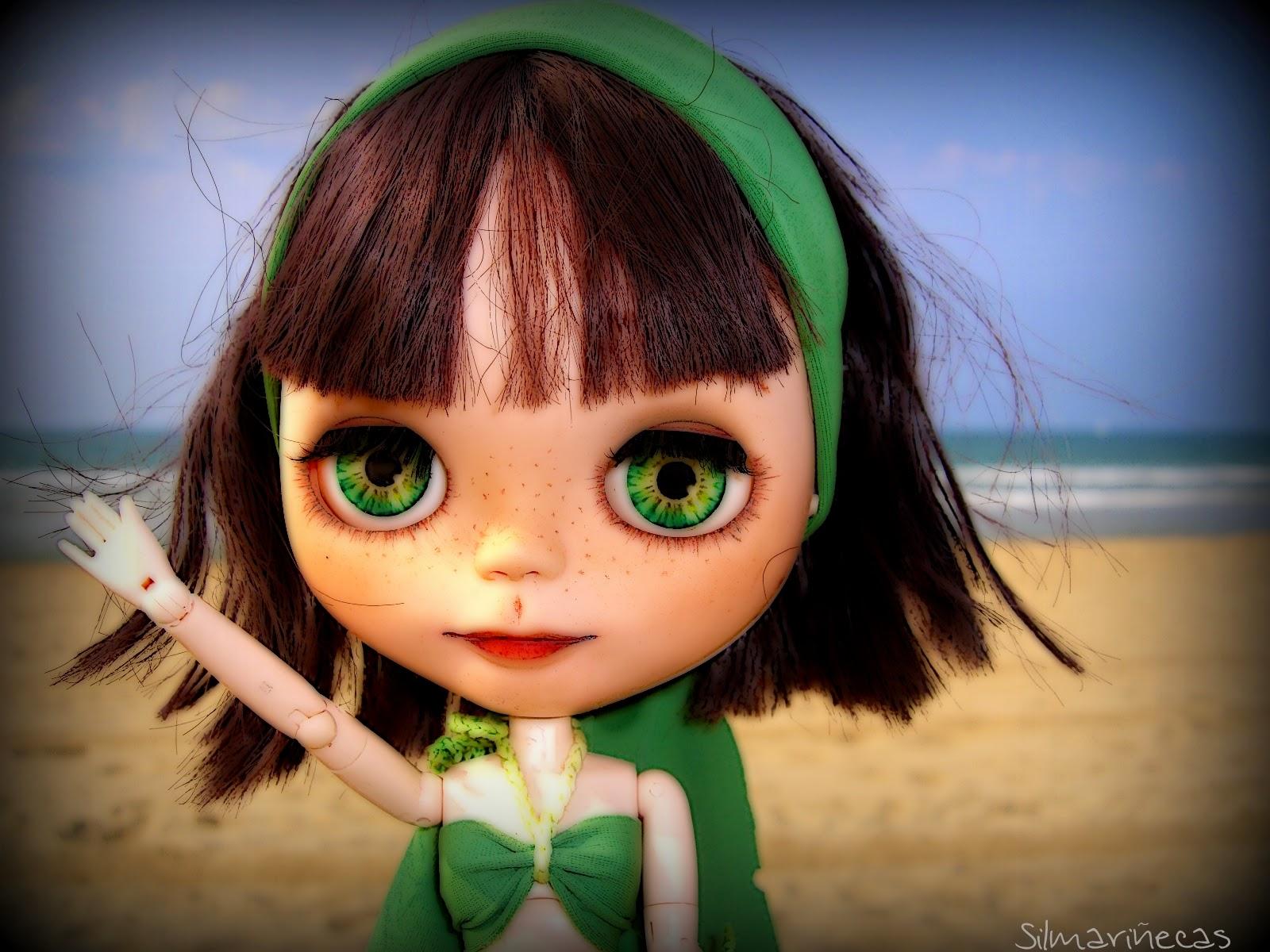 Basaak doll en Playa somo, Cantabria