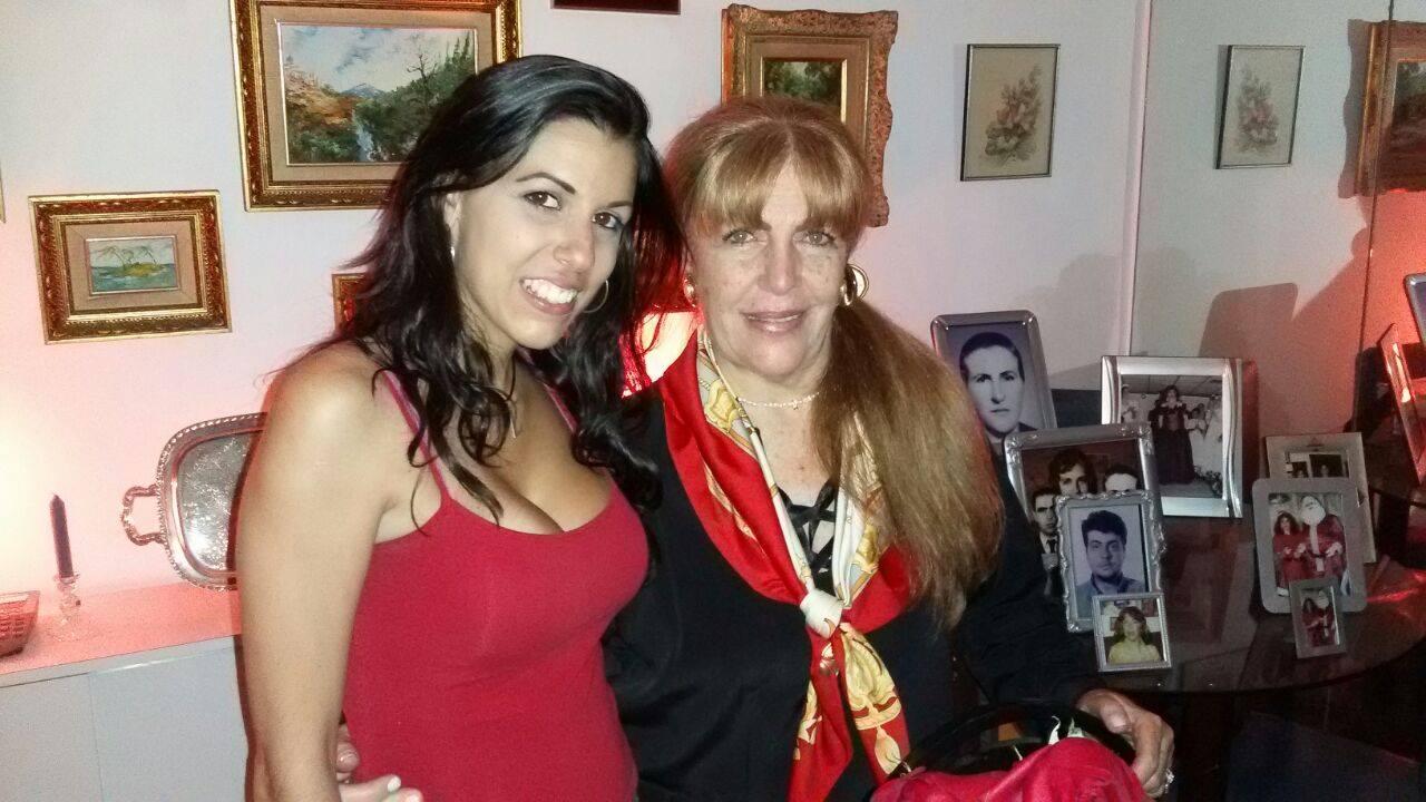 Loly Señaris Calviño y Zhandra Bermudez.