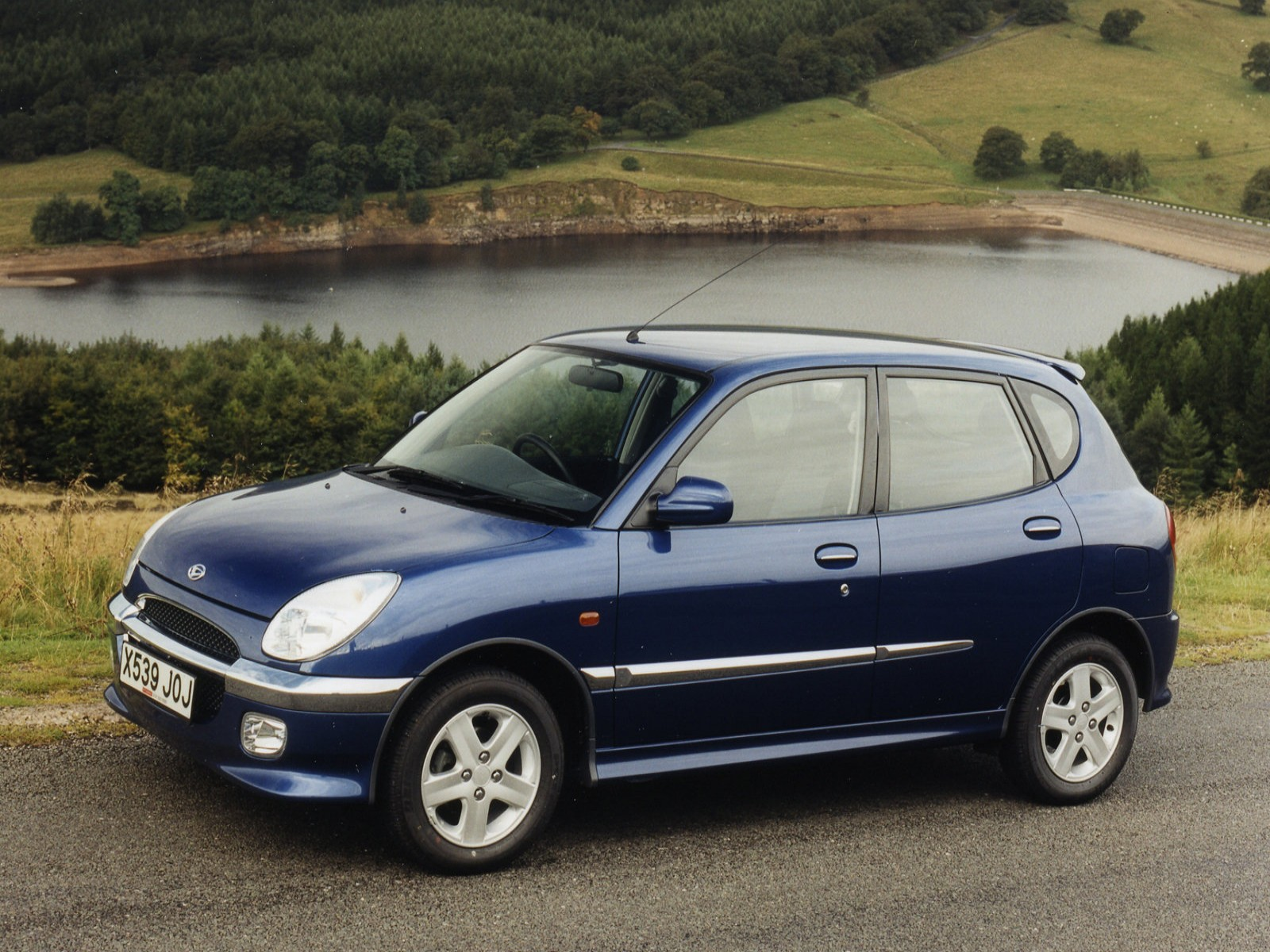 Car And Car Zone: Daihatsu Sirion 1999 new cars, car reviews, car