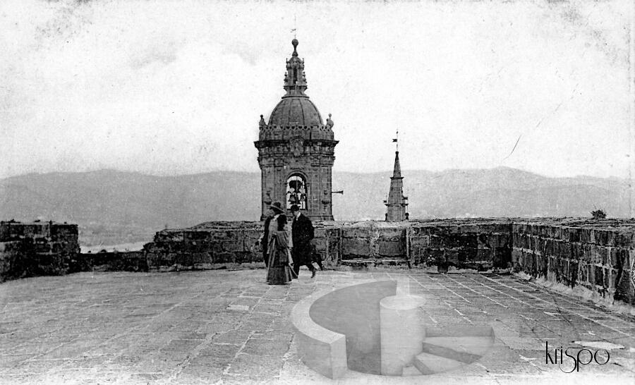 fotografía antigua de la terraza del parador de hondarribia retocada con un dibujo 3D