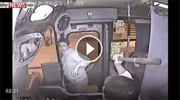 Bus Driver Traps, Hits Bag Snatcher With Bat