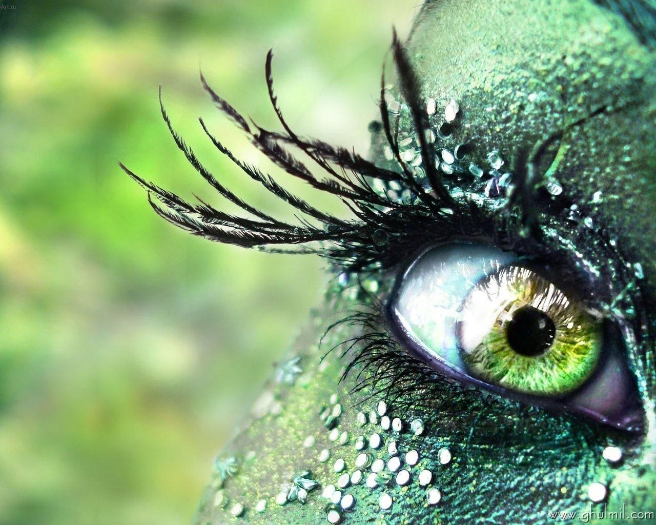 http://4.bp.blogspot.com/-A2JUOZlYwL4/UC-02VKhBlI/AAAAAAAAAEM/ZA50W8Irh2Q/s1600/beautiful-colorful-3d-hd-eye-wallpaper-for-desktops.jpg