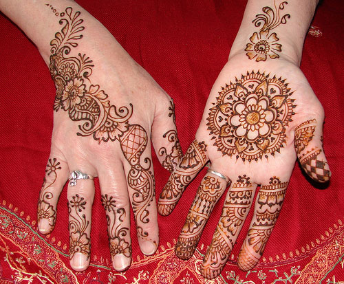 You can visit my Mehndi Designs to select for your kids.