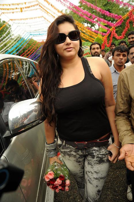 namitha ,namitha glamour  images