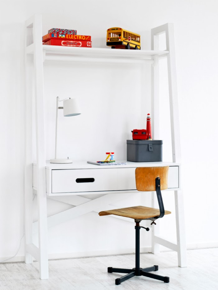 children desk from coming kids