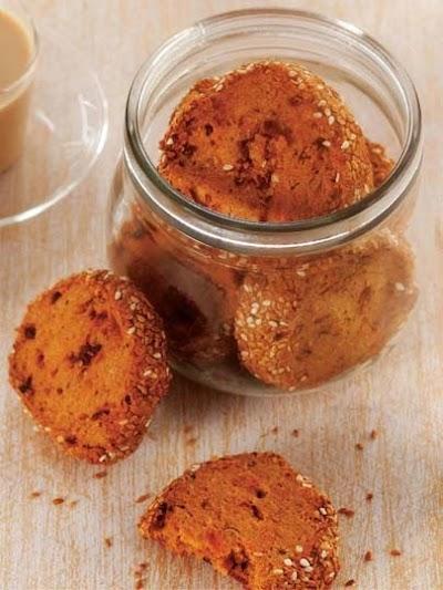 Kurutulmuş domatesli ve tereyağlı kurabiye