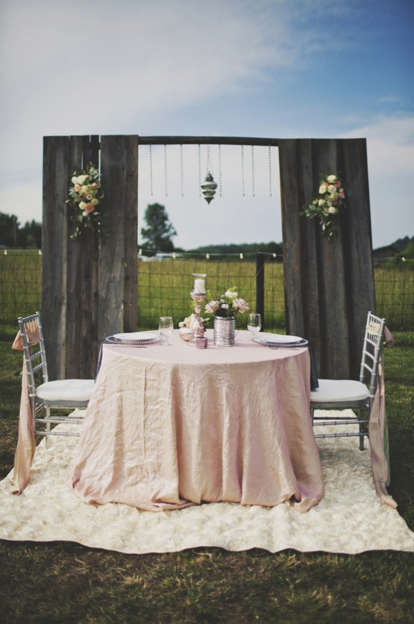 Vintage Weddings Rustic Backdrops UBetts Rental amp Design