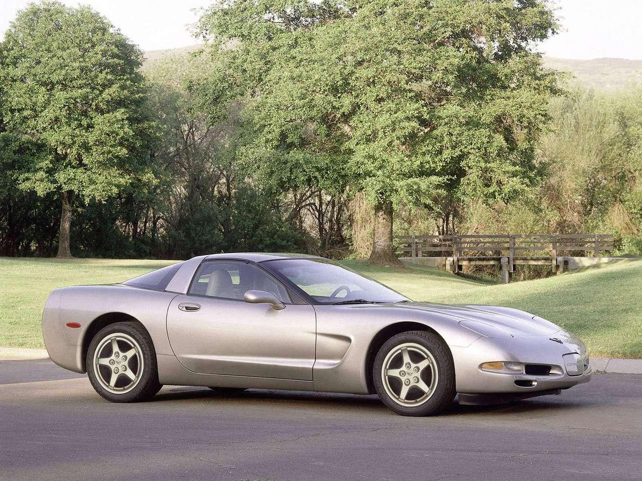 http://4.bp.blogspot.com/-A2x8Dl2pENI/TZBWAye--lI/AAAAAAAAOKQ/9IyFmm_JKck/s1600/Chevrolet-Corvette_2000_1280x960_wallpaper_04.jpg