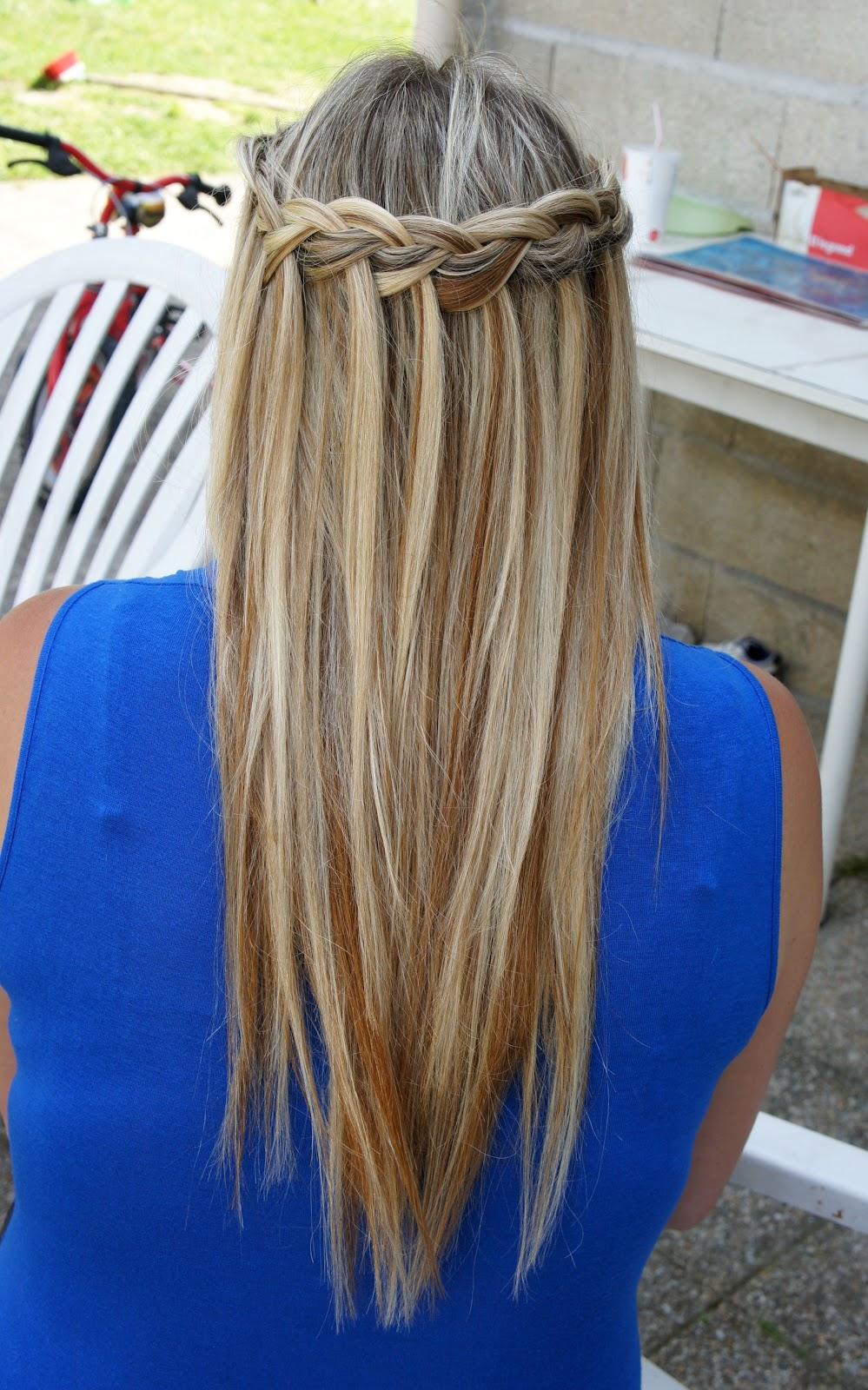 coiffure cheveux long avec un elastique coiffure femme cheveux long tendance kfmgyv. Black Bedroom Furniture Sets. Home Design Ideas