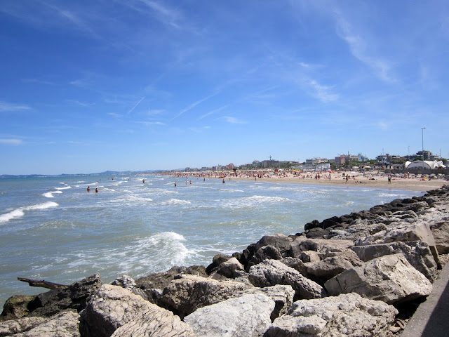Una spiaggia di Rimini, Italia
