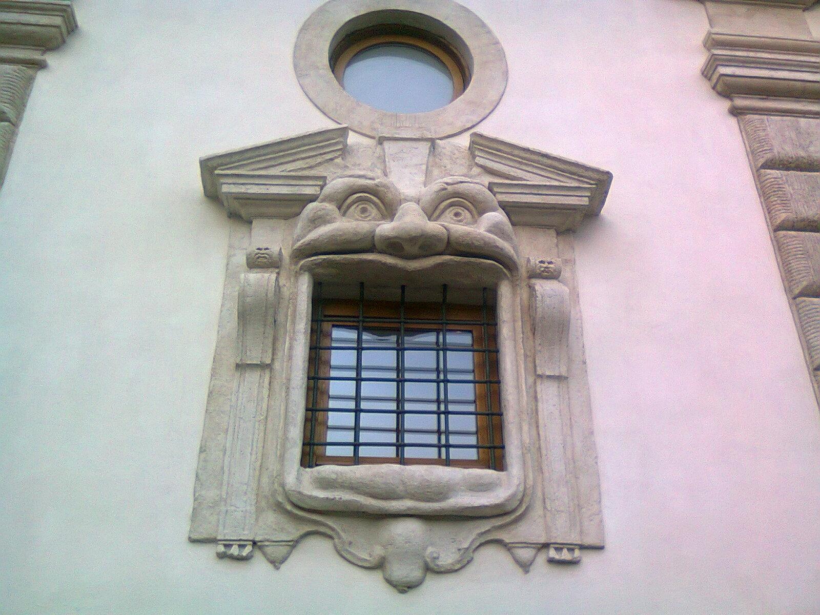 In bici per roma in 47 alla scoperta delle finestre di roma - Finestre d epoca ...