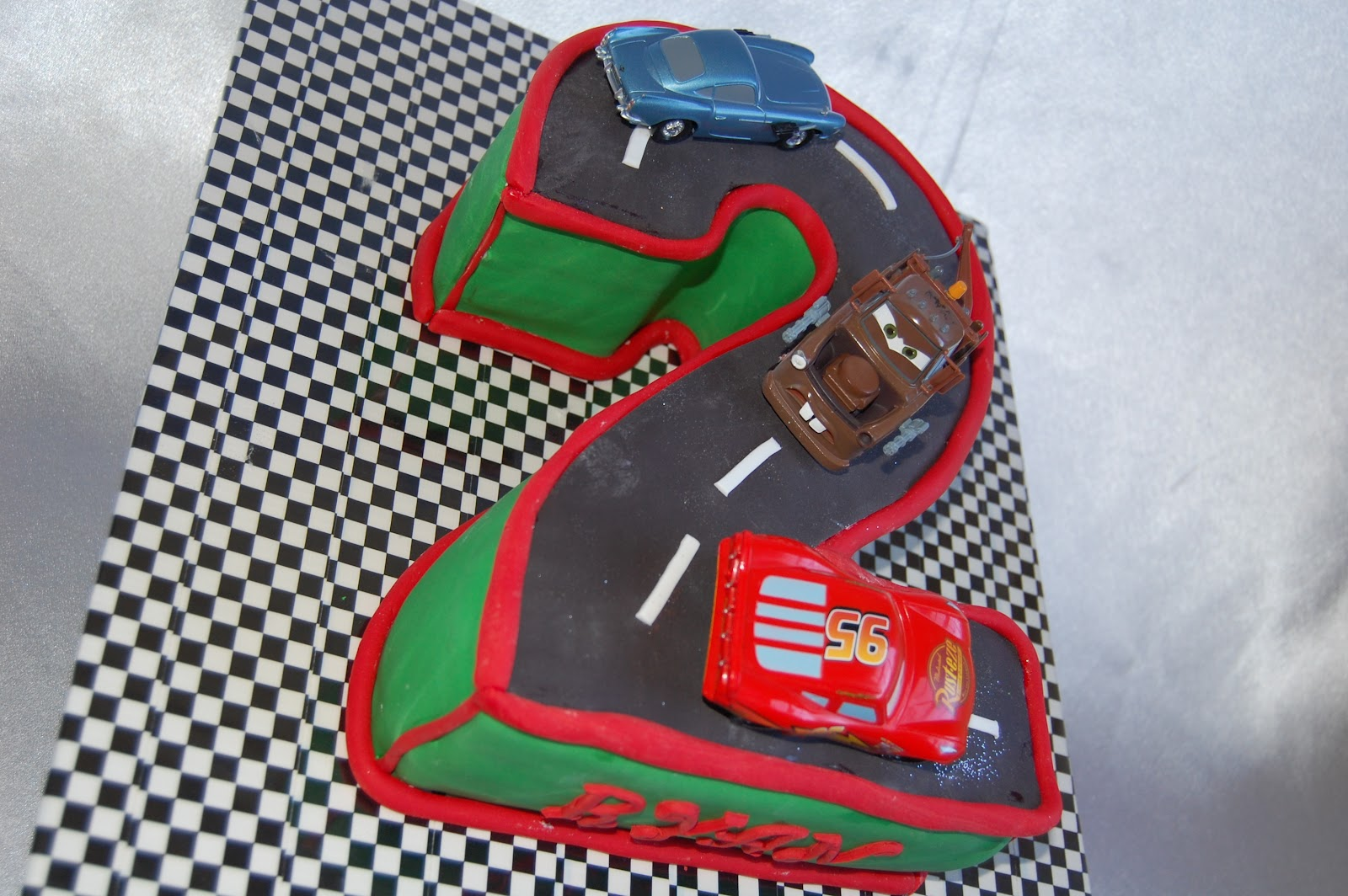 CUSTOMISED CAKES BY JEN: Disney CARS Cake