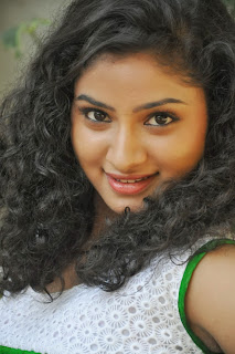 Vishnu Priya Cute Beauty in Green Dress at Nenu Naa Friends movie Function