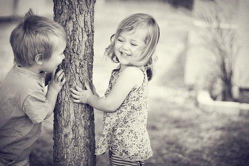 γέλιο-χαμόγελο-παιδιά-αθωότητα