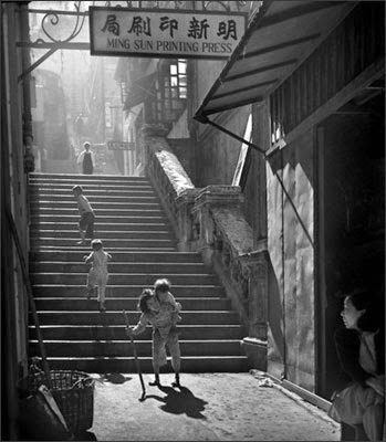 http://undr.tumblr.com/post/98381309452/fan-ho-little-grandma-1950