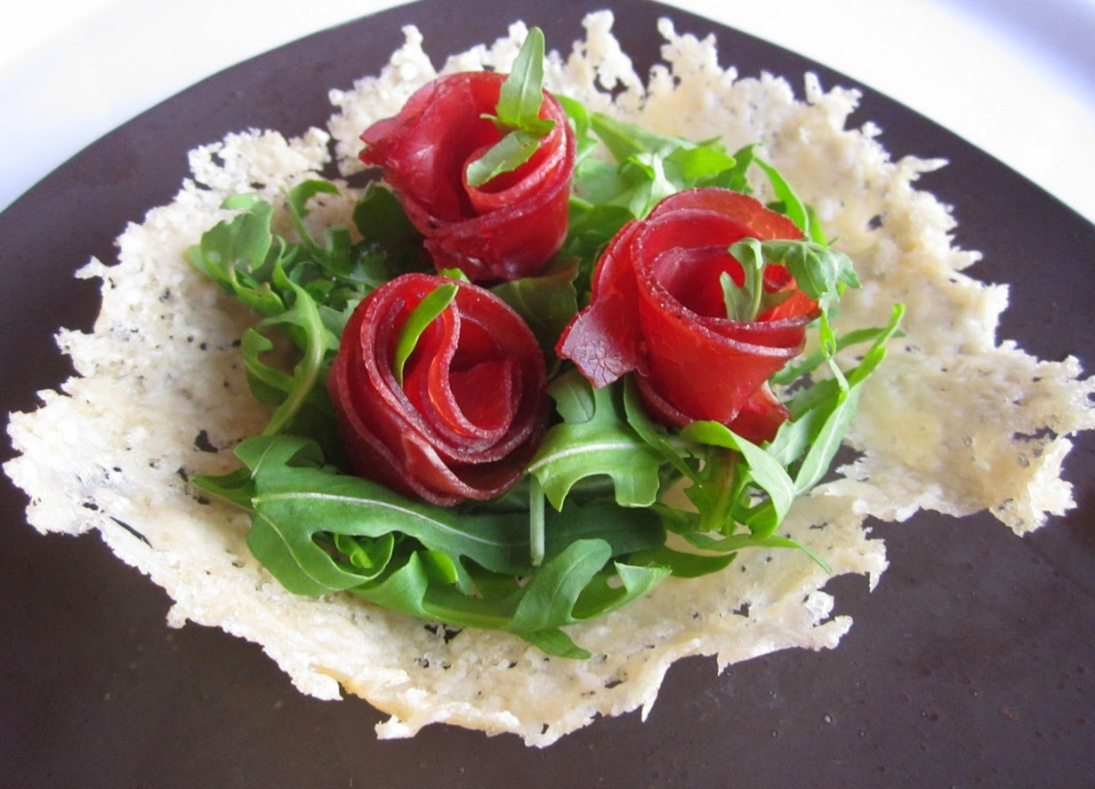Parmesan Baskets with Arugula and Bresaola (Italian Air-Cured Beef)