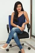 Mishti Chakraborthy latest dazzling pics-thumbnail-10