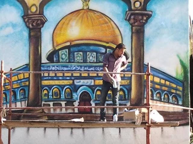 الفنان التشكيلي محمد الديري يرسم جدارية للقدس في بيروت