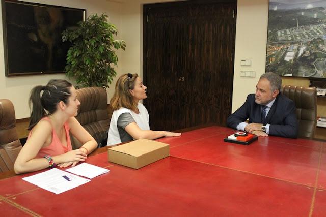 La Cruz Roja de Bizkaia premia el apoyo de Petronor