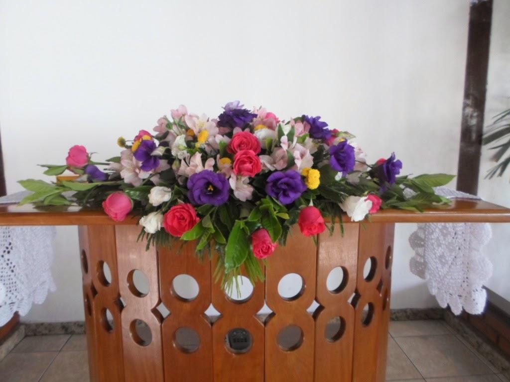 Arranjo no púlpito para a cerimonia
