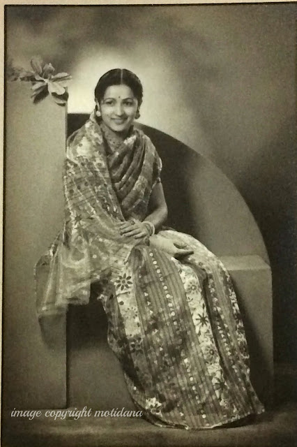 https://kalaabhushan.blogspot.com , Bhatia Lady , Vintage photograph of Beautiful Women
