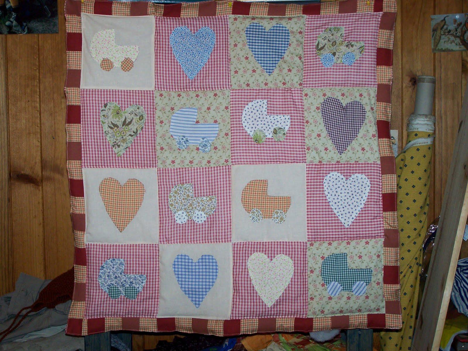 La petite maison de patchwork colcha bebe - Colchas de patchwork hechas a mano ...