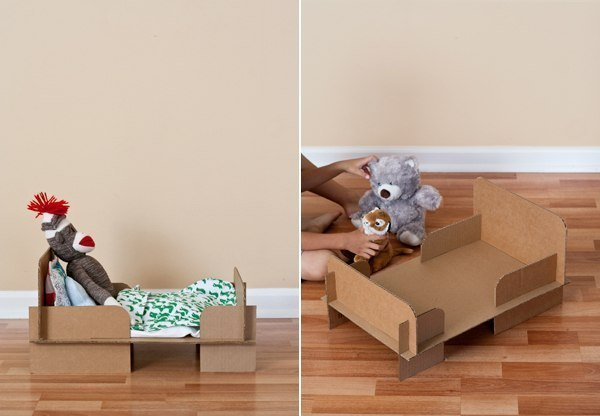 How to make a cardboard bed home decorating ideas for Meuble carton tuto