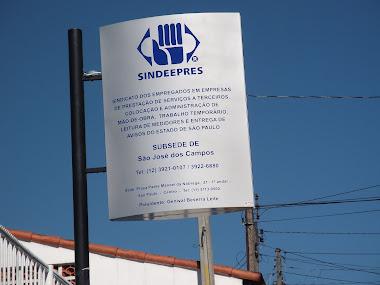 TOTEM EM ACM PRATA ADESIVADO SIDIPRESS SÃO JOSÉ DOS CAMPOS-SP