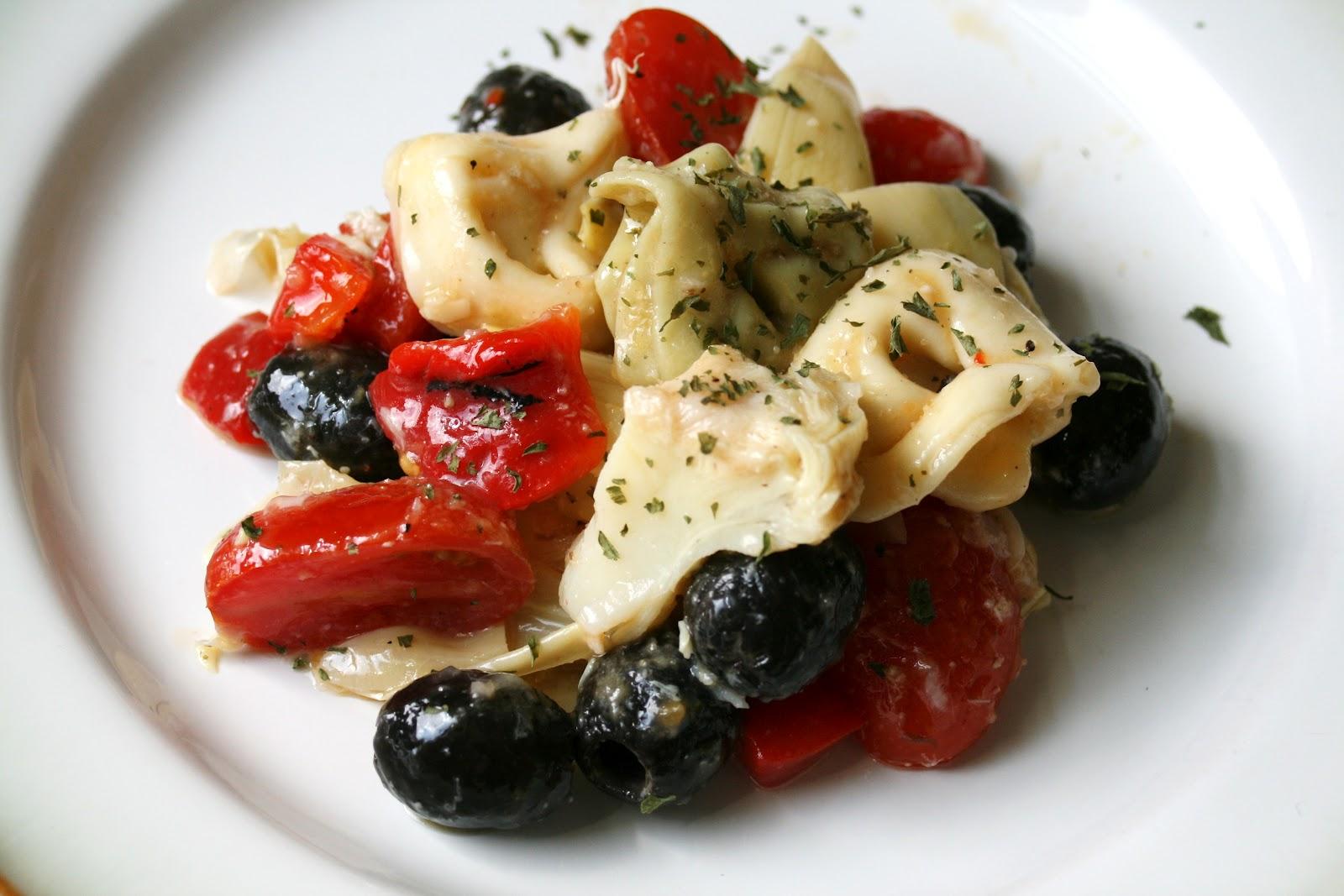 Thee Cook: Tortellini Pasta Salad