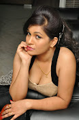 Revathi Chowdary hot photos-thumbnail-14
