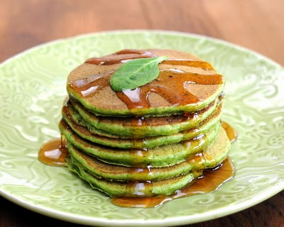 Spinach Pancakes, whole-wheat pancakes with fresh spinach, light and fluffy. Just one more reason to Make Tonight #PancakeNight.