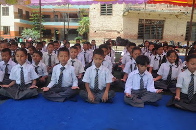 nepal schools classes in temporary structure after earthquake