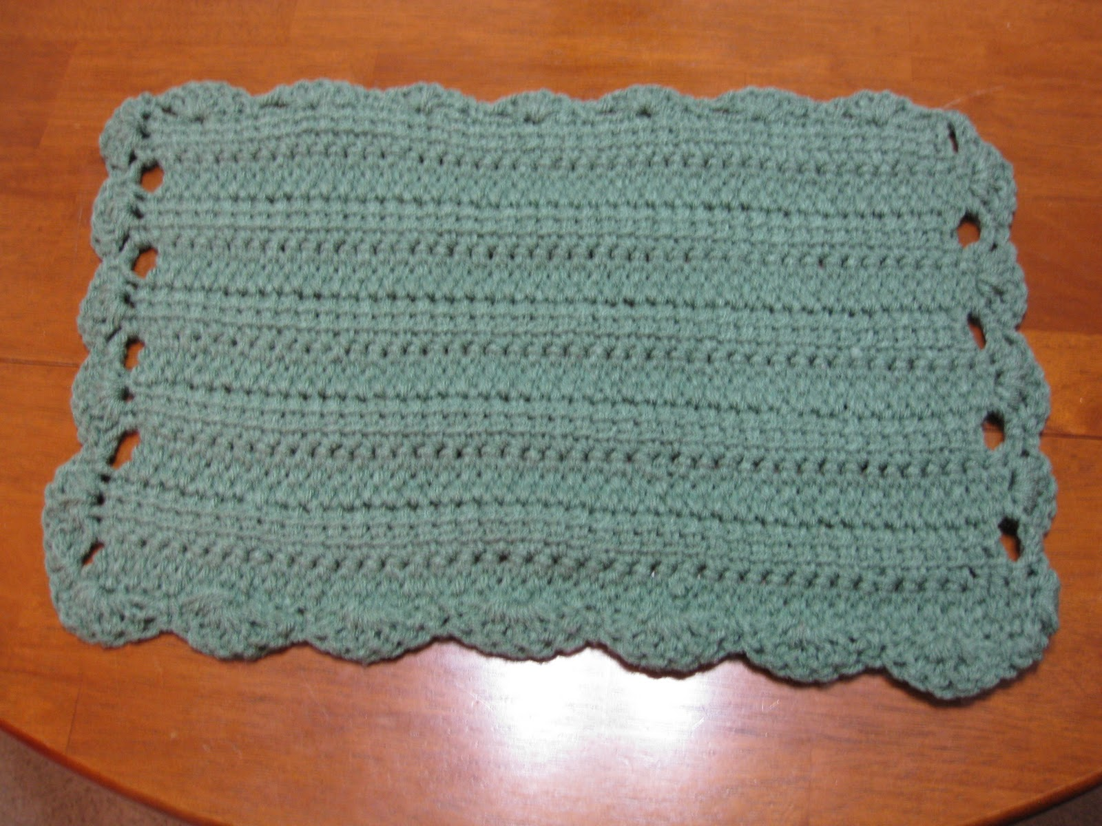 Crocheting Placemats : Engineered Crochet: Scallop Edged Placemats