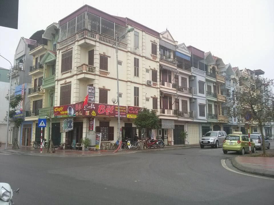 Các nhà ở quanh chung cư Hồ Sen Gia Thụy