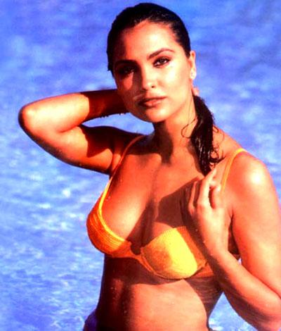 Hot Lara Dutta Wall Papers 2