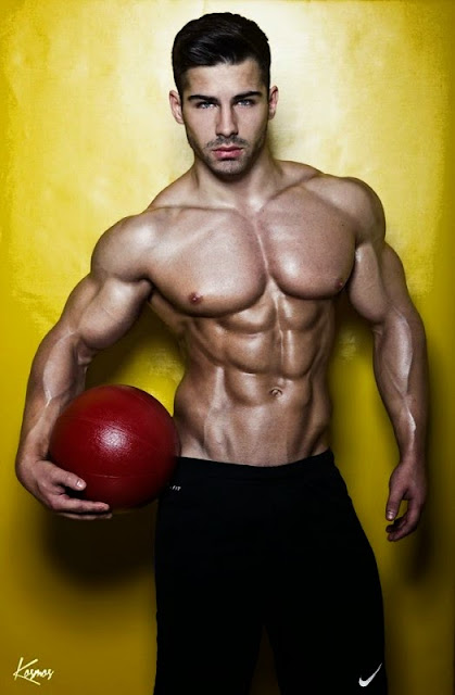 Hot Six-Pack Abs Model Roman Khodorov Fotos De Infarto 2