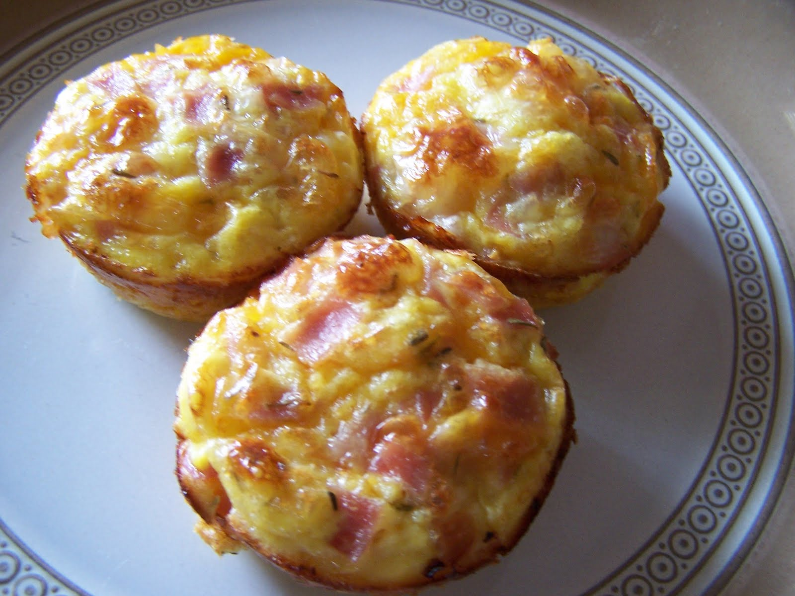 Mommy's Menu: Ham Egg and Cheese Muffins