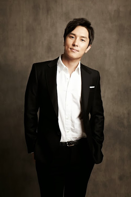Shinhwa's Kim Dongwan invited to 2013 Korean Film Festival in Myanmar