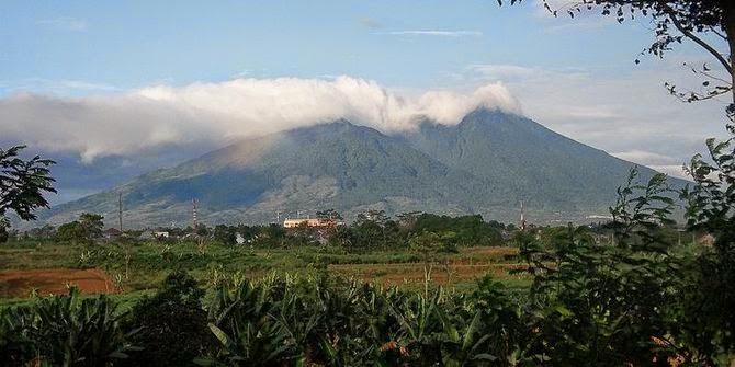 Gunung Salak di Bogor - Indonesia