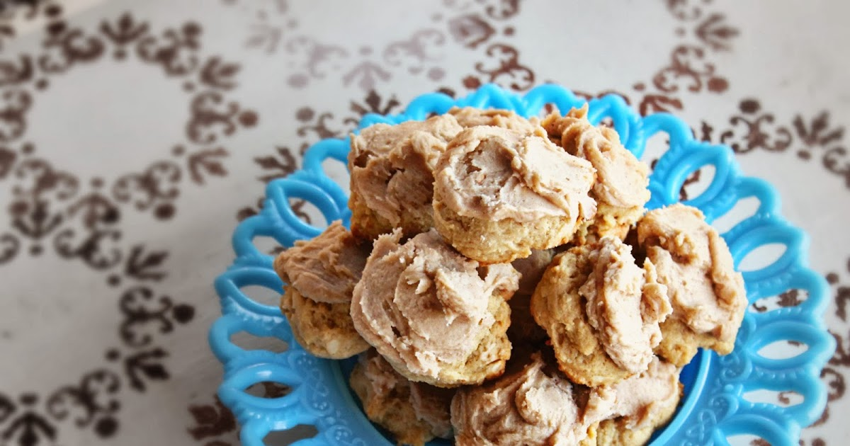 The Good Kind of Crazy: Cashew Cookies & Burnt Butter Icing