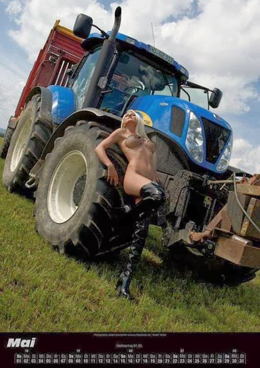 Tractors, Senior pictures and Farms on Pinterest