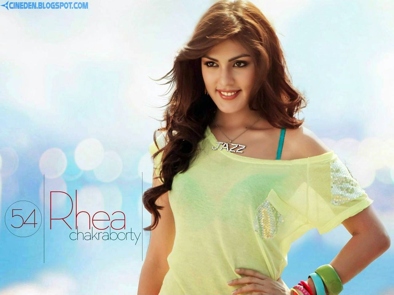 Rhea Chakraborty gets groped by a stranger! - CineDen