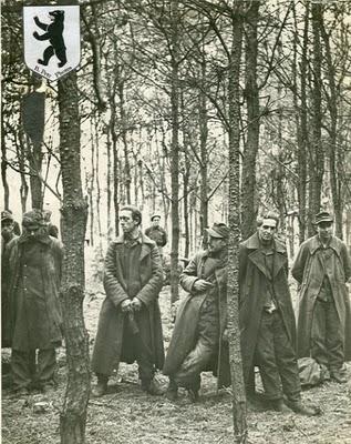 Foto Tawanan Perang Jerman pada Perang Dunia 2 | Kumpulan Artikel Perang