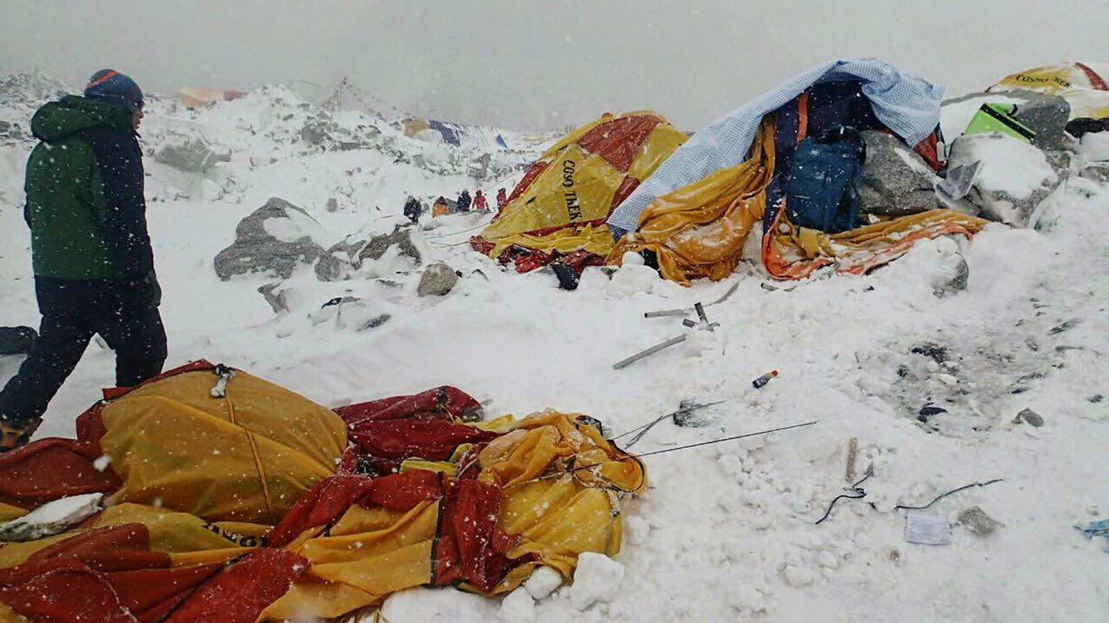 Foto Dramatis dari Basecamp Everest Saat Gempa Mengguncang Nepal