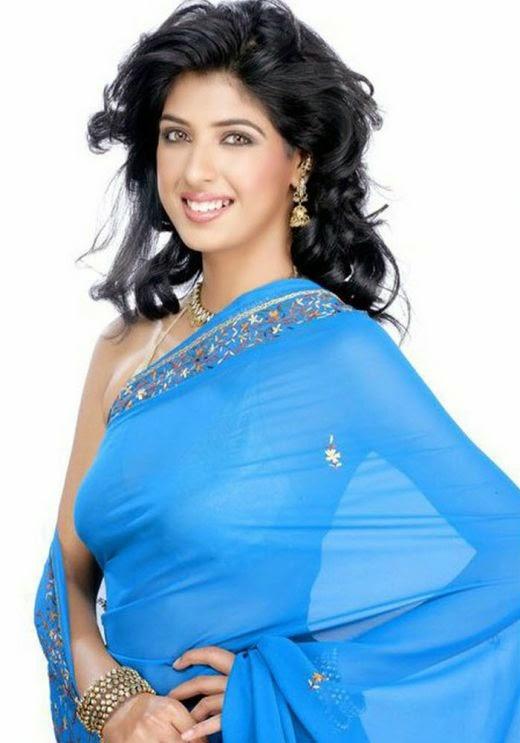 Aishwarya Sakhuja Hot Pics