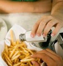 4 Penyakit yang Disebabkan Berlebihan Konsumsi Garam